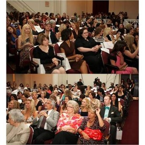 The IHDA Ceremony began with a full house to celebrate independent handbag design.