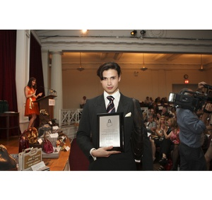 Winner, Lui Antinous for Best Handbag in Overall Style and Design