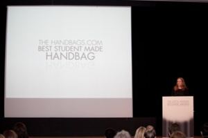 Mauren Cerise of Handbags.com presenting the Handbags.com Best Student Made Handbag