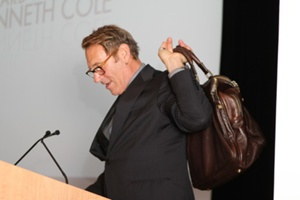 Hal Rubenstein of InStyle presenting the Iconoclast Recipient to Kenneth Cole