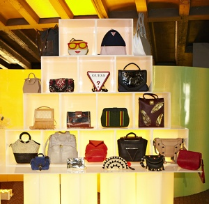 IHDA handbag display